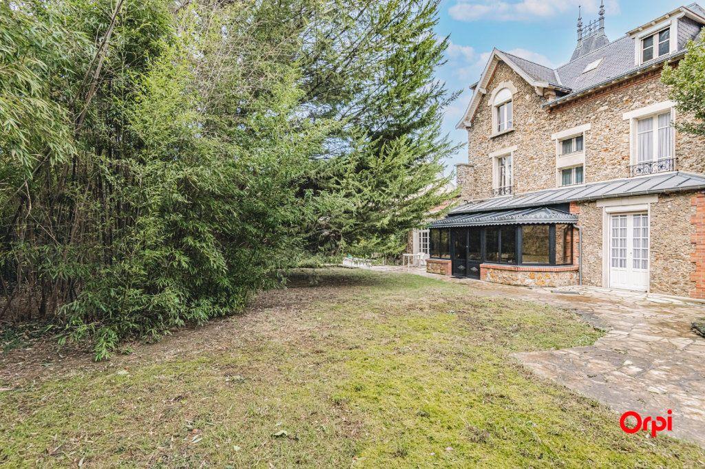Maison à vendre 9 252m2 à Reims vignette-5