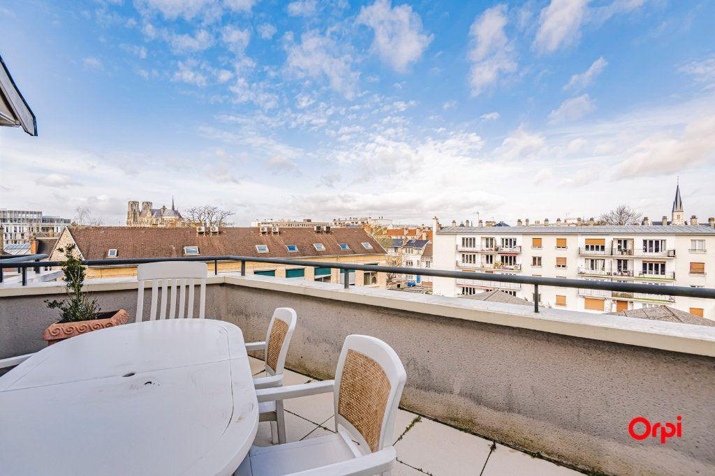 Appartement à vendre 3 71.7m2 à Reims vignette-3
