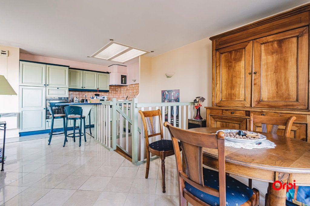 Appartement à vendre 3 71.7m2 à Reims vignette-6