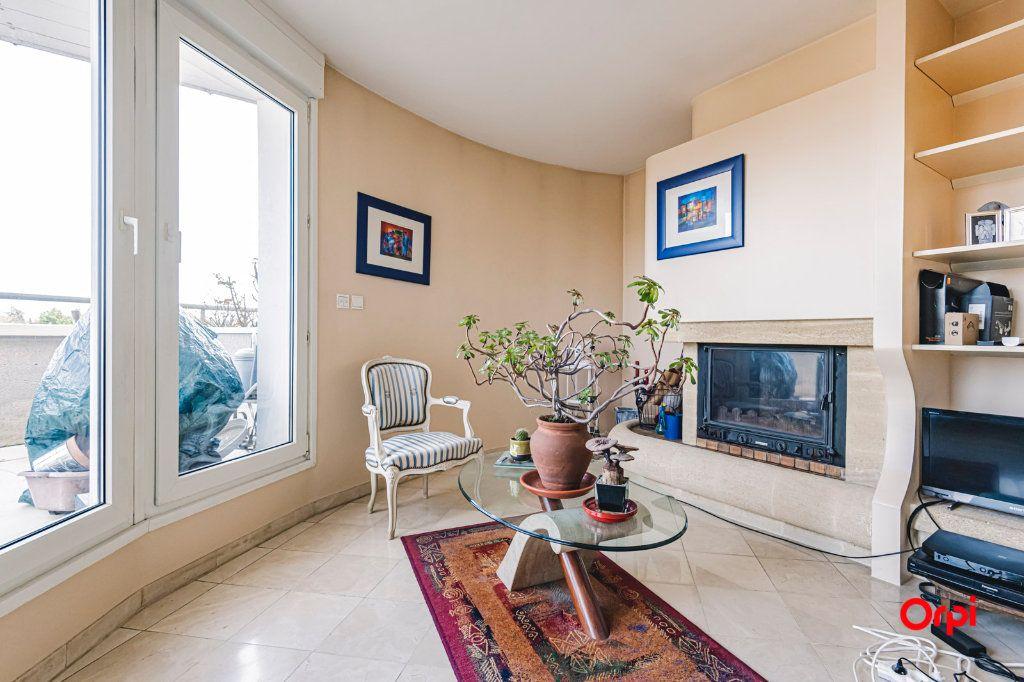 Appartement à vendre 3 71.7m2 à Reims vignette-8