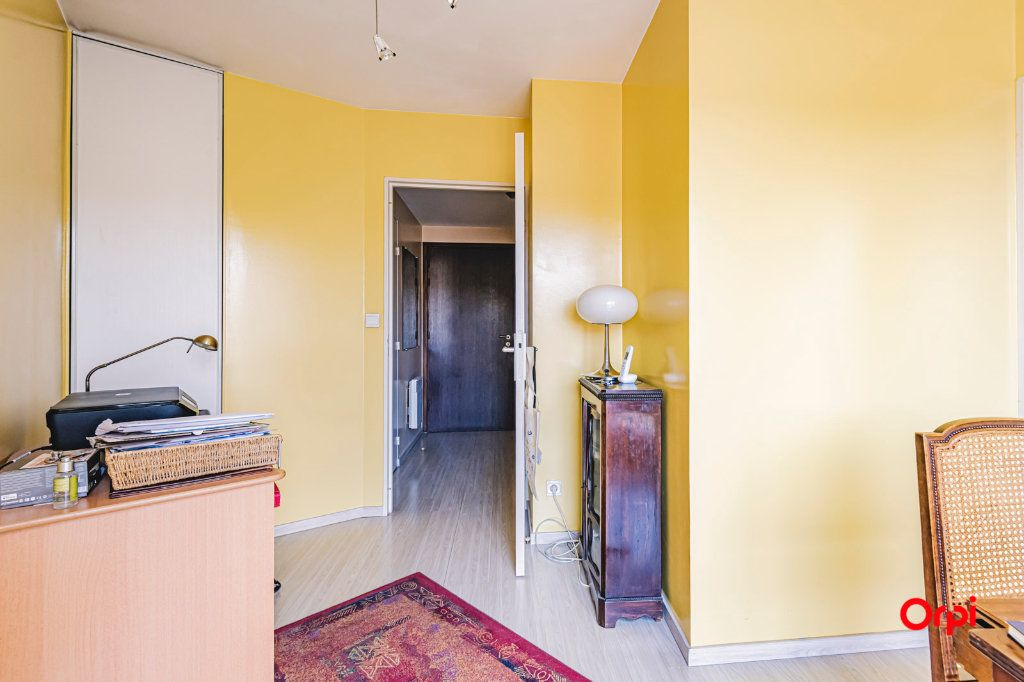 Appartement à vendre 3 71.7m2 à Reims vignette-10