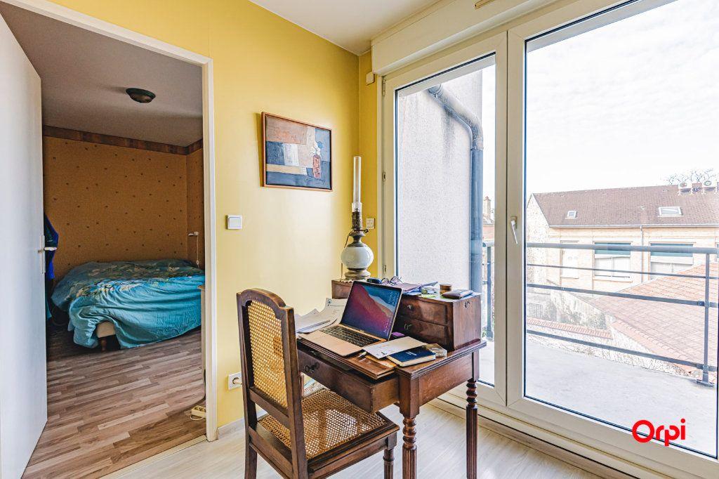 Appartement à vendre 3 71.7m2 à Reims vignette-11