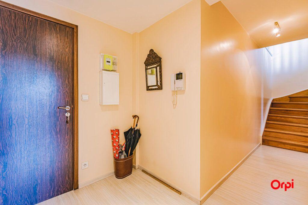 Appartement à vendre 3 71.7m2 à Reims vignette-12