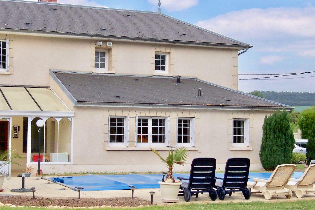 Maison à vendre 11 283.89m2 à Courville vignette-3