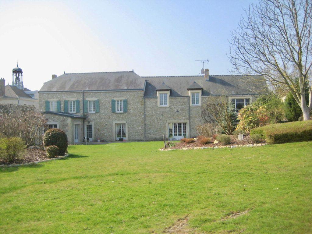 Maison à vendre 11 379.73m2 à Arcis-le-Ponsart vignette-1