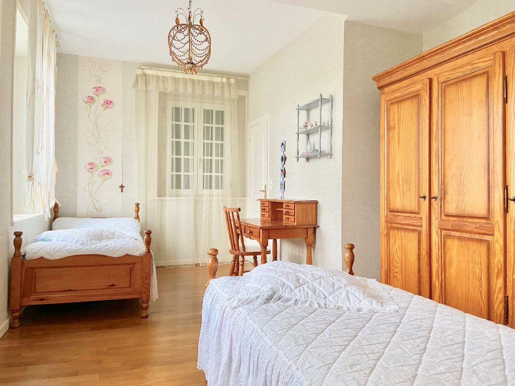 Maison à vendre 11 379.73m2 à Arcis-le-Ponsart vignette-8