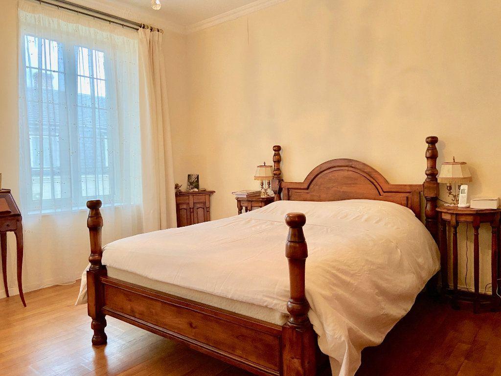 Maison à vendre 11 379.73m2 à Arcis-le-Ponsart vignette-10