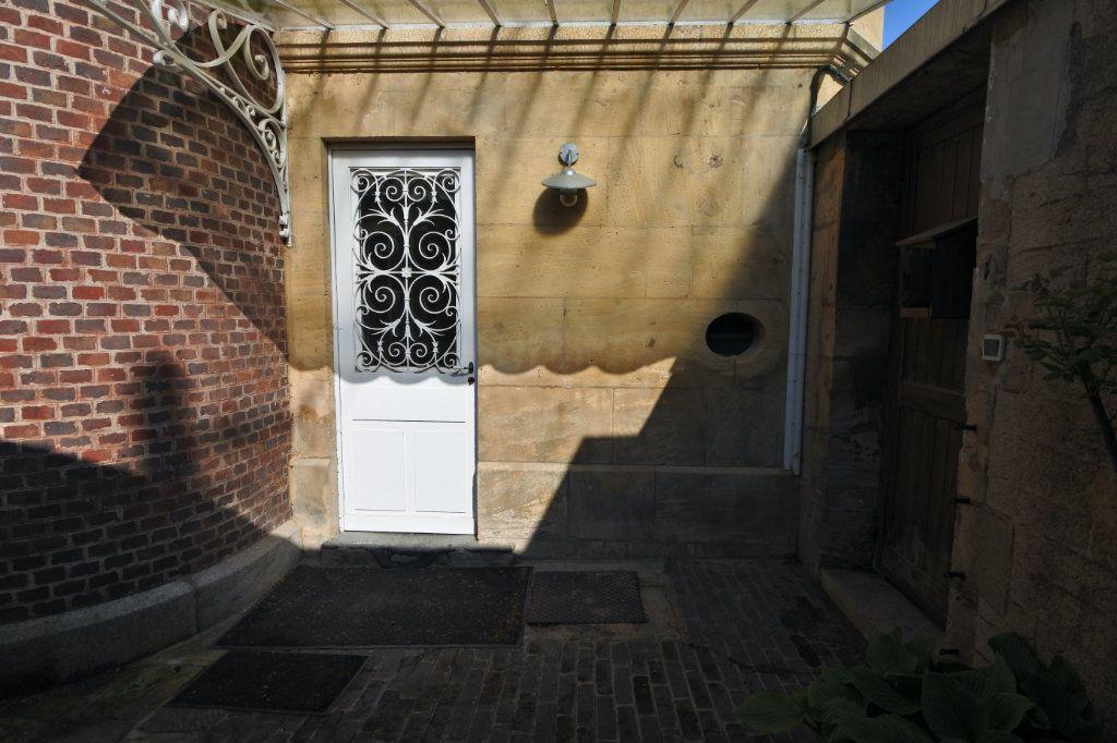 Maison à vendre 15 600m2 à Floing vignette-5