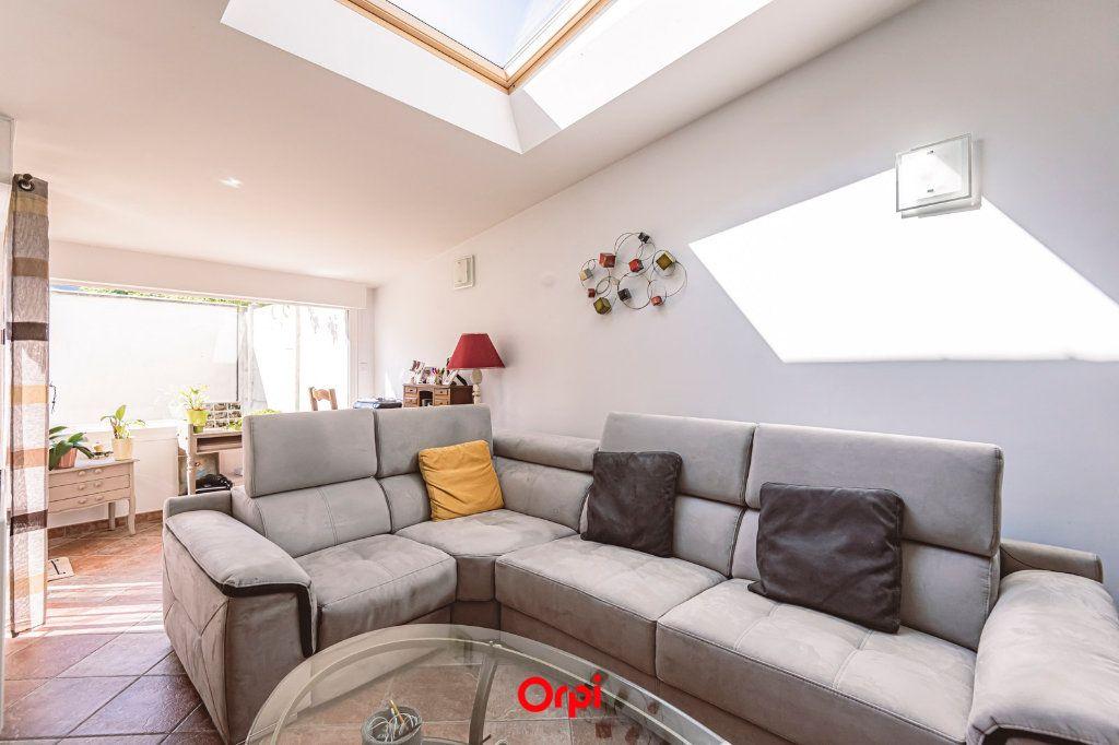 Maison à vendre 4 107.7m2 à Reims vignette-1