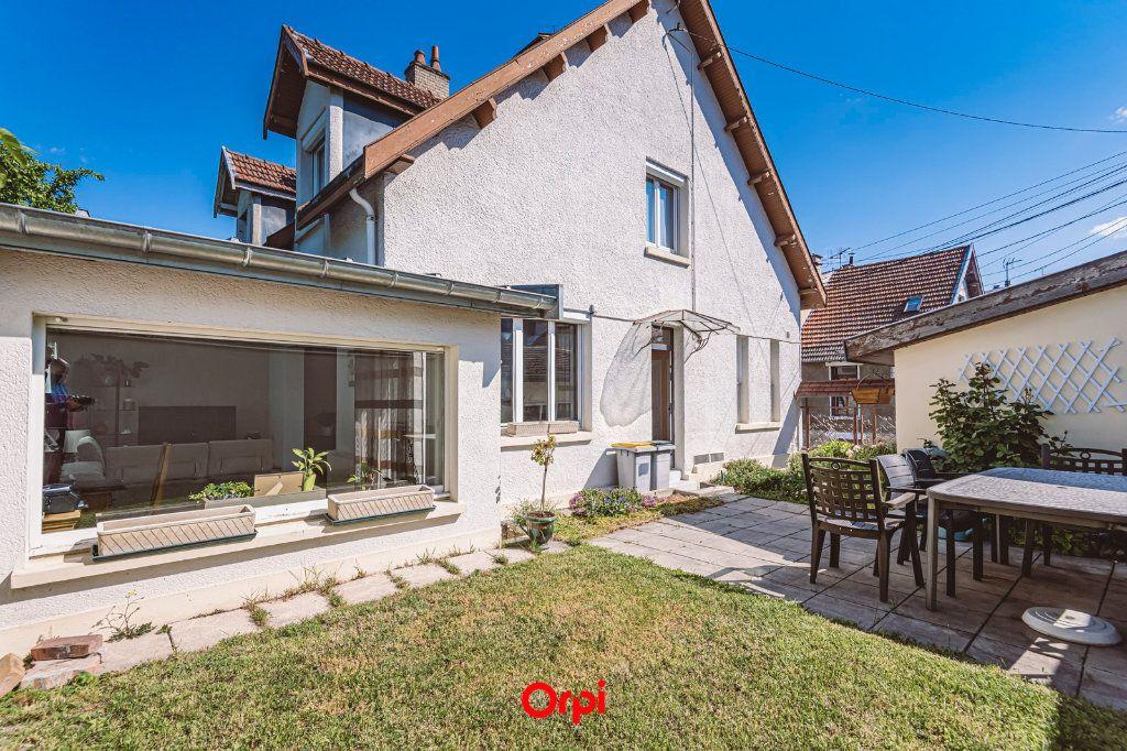 Maison à vendre 4 107.7m2 à Reims vignette-2