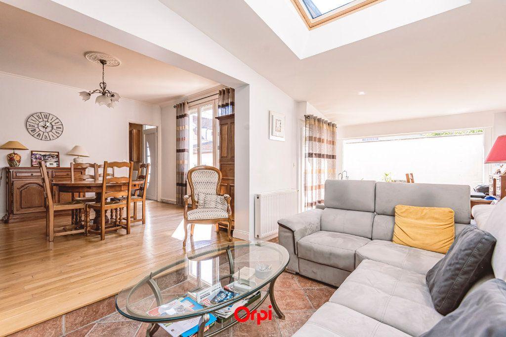 Maison à vendre 4 107.7m2 à Reims vignette-3