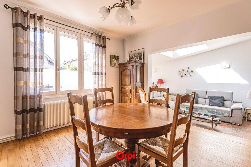 Maison à vendre 4 107.7m2 à Reims vignette-11