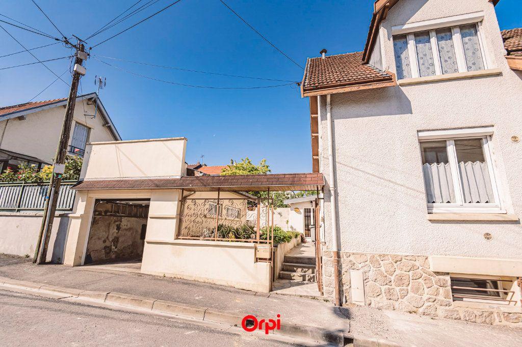 Maison à vendre 4 107.7m2 à Reims vignette-13