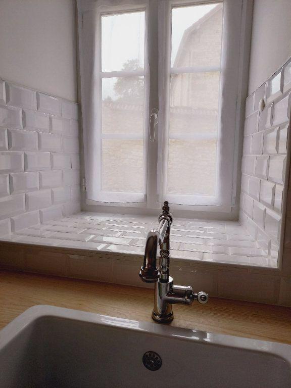 Maison à louer 3 64m2 à Rosnay vignette-4
