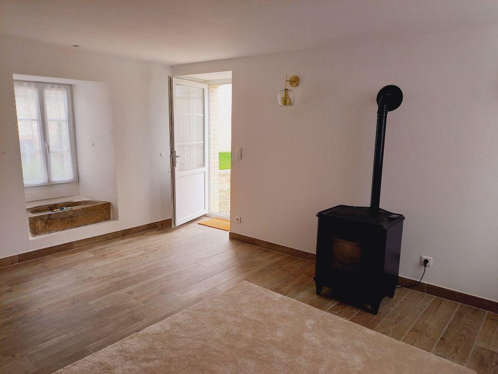 Maison à louer 3 64m2 à Rosnay vignette-5