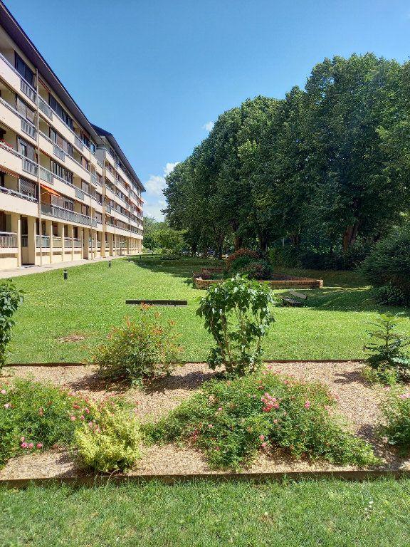 Appartement à louer 3 68.7m2 à Reims vignette-1