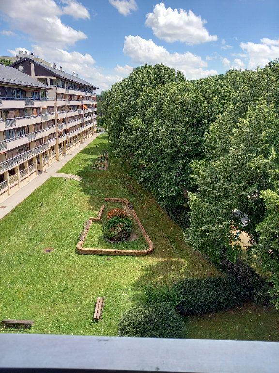 Appartement à louer 3 68.7m2 à Reims vignette-2