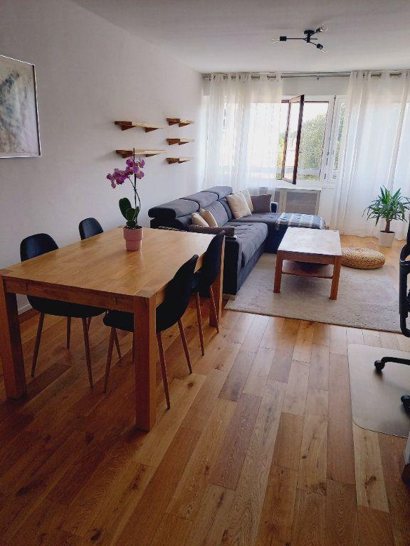 Appartement à louer 3 68.7m2 à Reims vignette-5