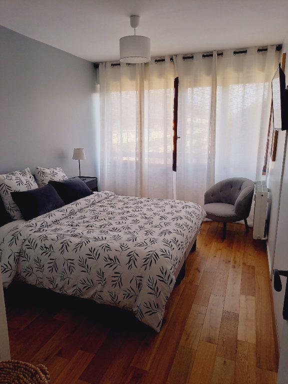 Appartement à louer 3 68.7m2 à Reims vignette-9