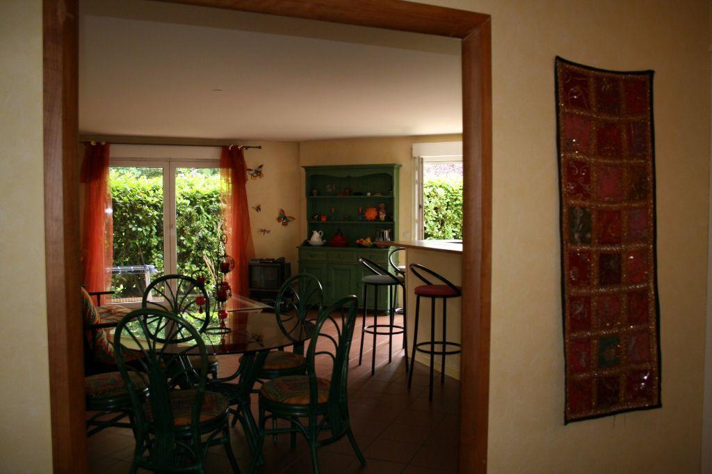 Appartement à louer 3 79m2 à Lyon 8 vignette-3