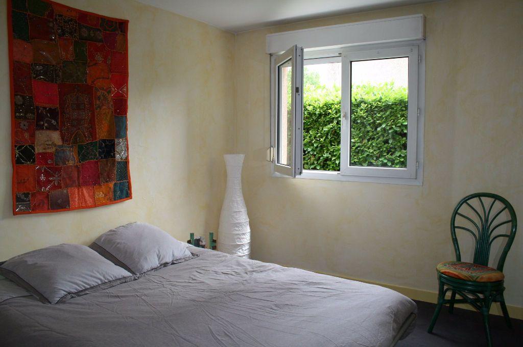 Appartement à louer 3 79m2 à Lyon 8 vignette-6