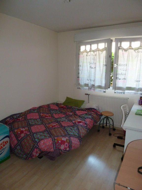 Appartement à louer 3 79m2 à Lyon 8 vignette-7
