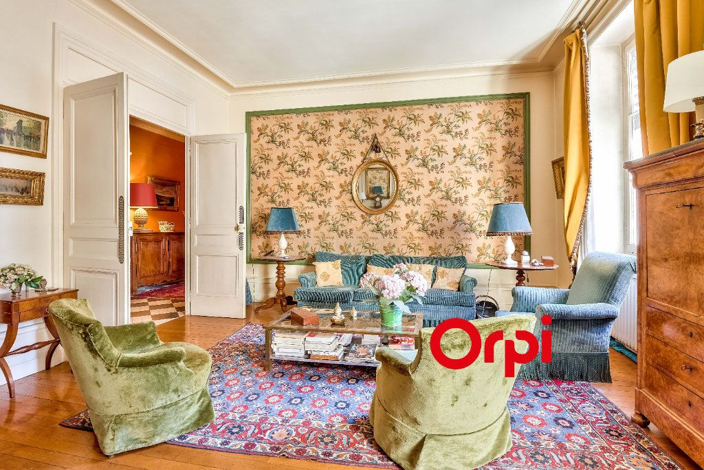 Appartement à vendre 5 145.5m2 à Lyon 2 vignette-2