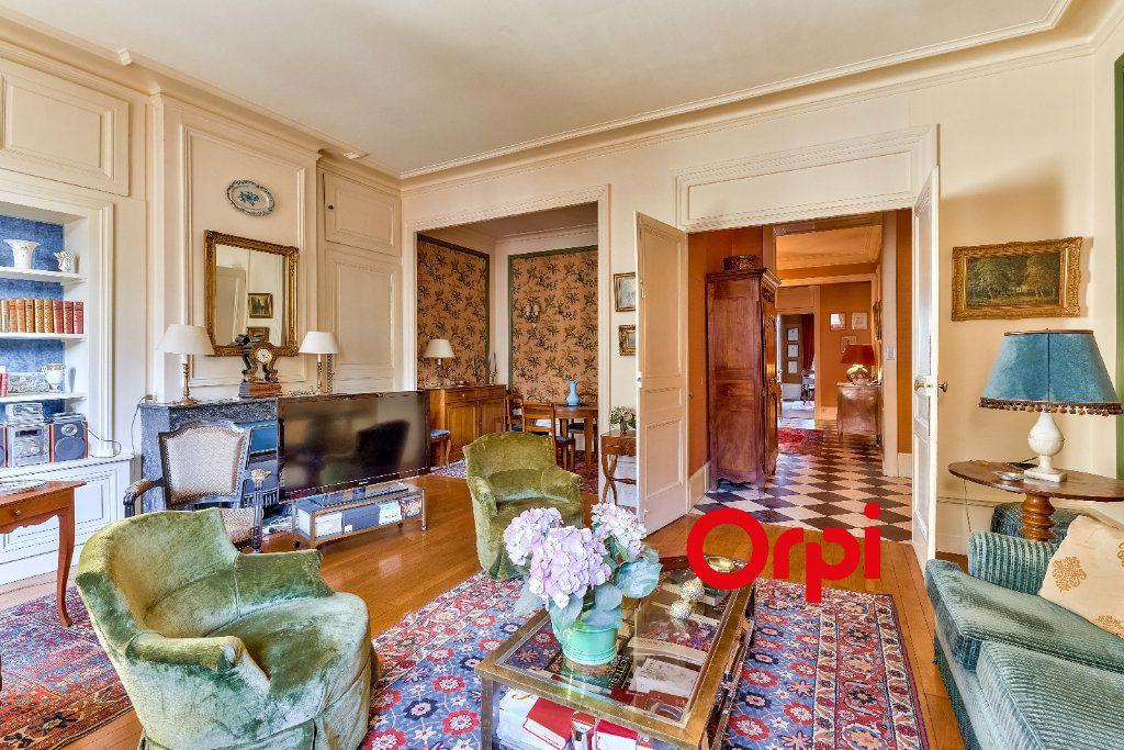 Appartement à vendre 5 145.5m2 à Lyon 2 vignette-7