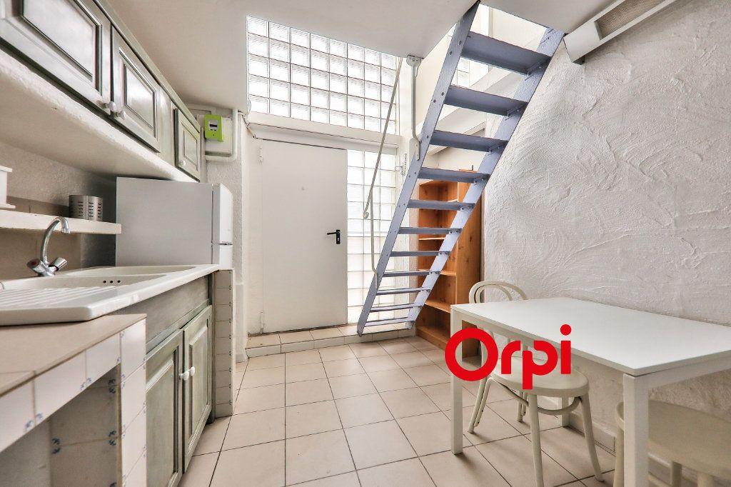 Appartement à vendre 2 23.1m2 à Lyon 2 vignette-3