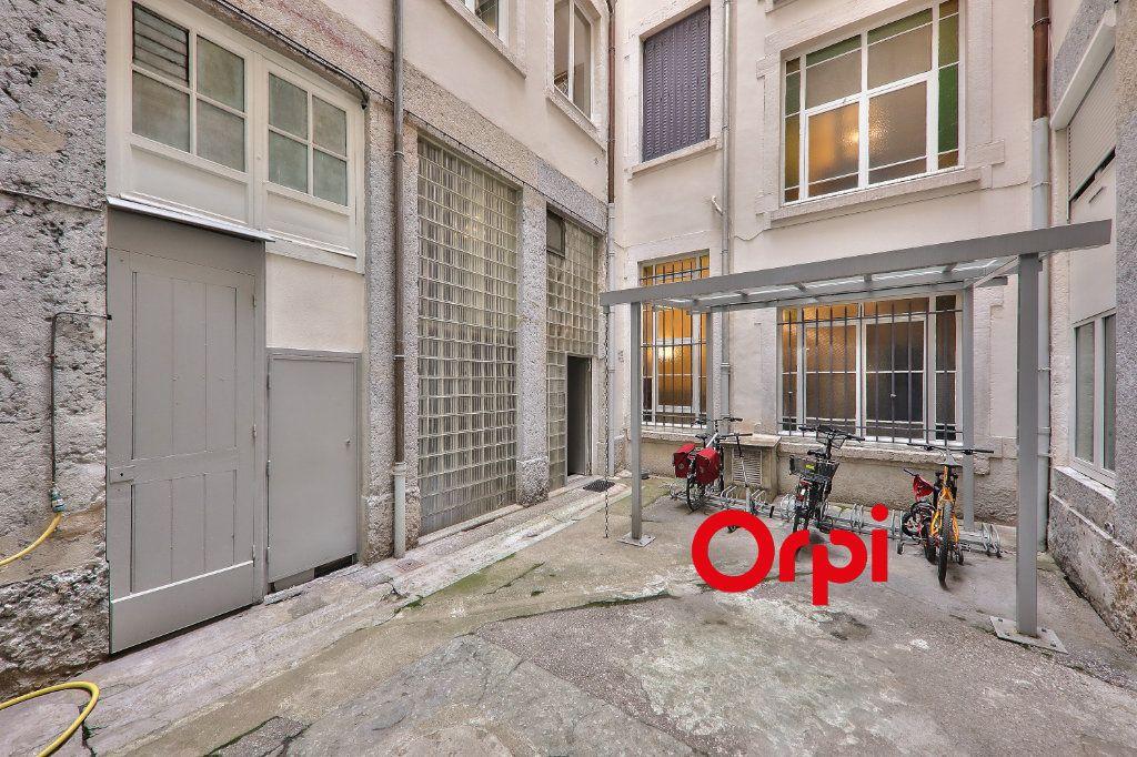 Appartement à vendre 2 23.1m2 à Lyon 2 vignette-12