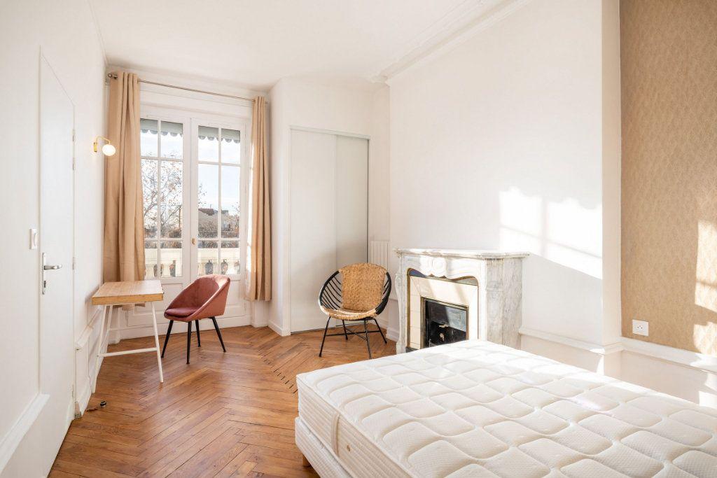 Appartement à louer 5 95.91m2 à Lyon 3 vignette-7