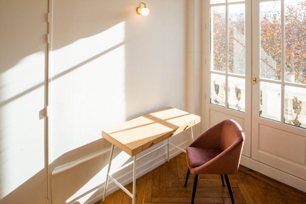Appartement à louer 5 95.91m2 à Lyon 3 vignette-8