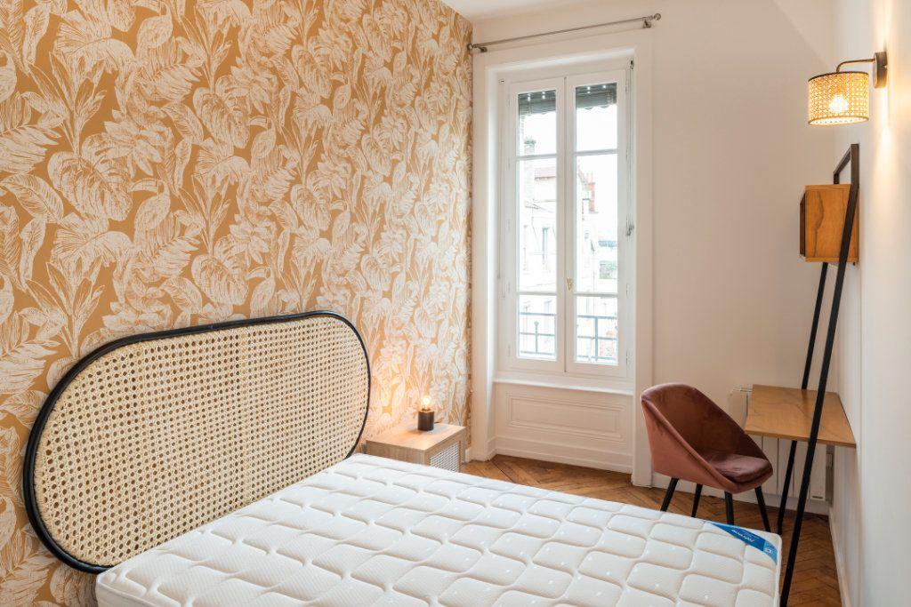 Appartement à louer 5 95.91m2 à Lyon 3 vignette-9