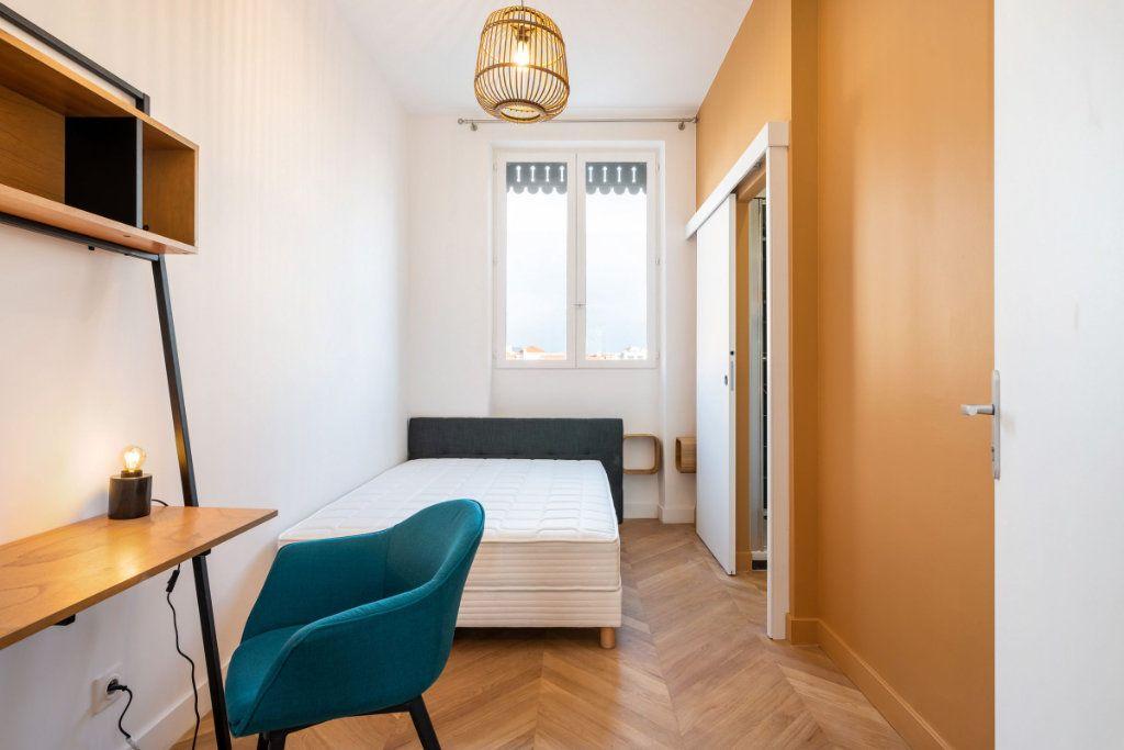 Appartement à louer 5 95.91m2 à Lyon 3 vignette-10