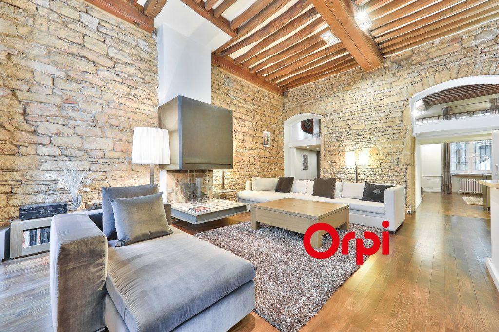 Appartement à vendre 4 138.9m2 à Lyon 1 vignette-2