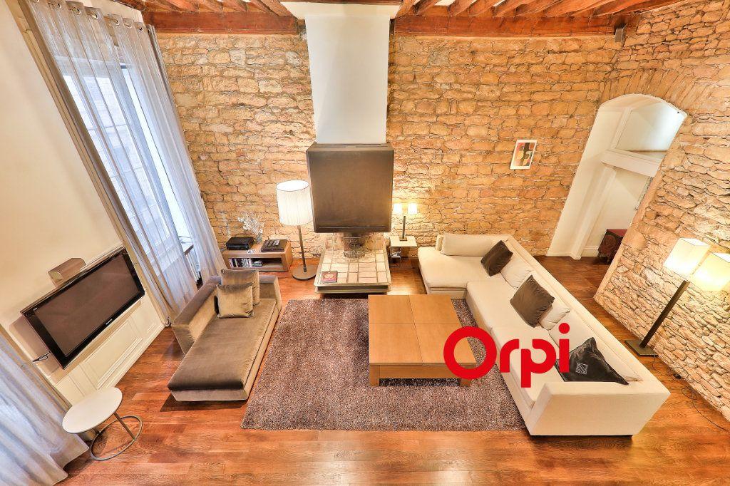 Appartement à vendre 4 138.9m2 à Lyon 1 vignette-3