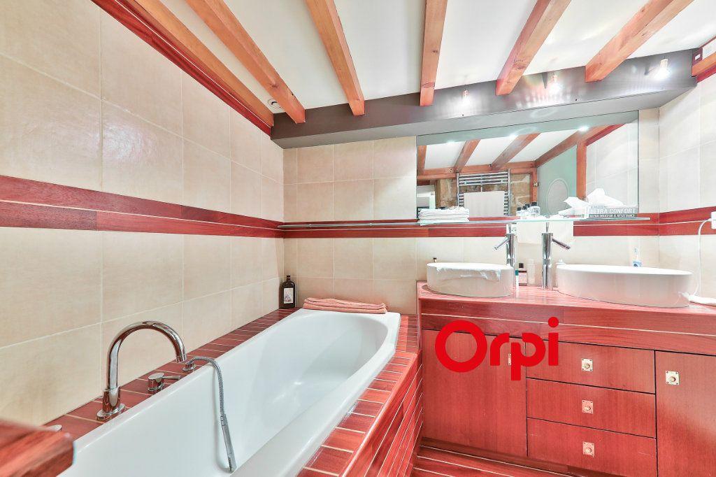 Appartement à vendre 4 138.9m2 à Lyon 1 vignette-9