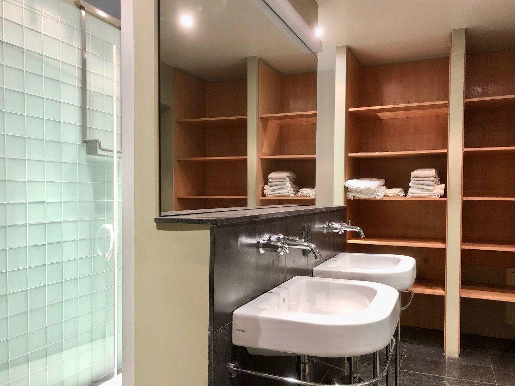 Appartement à vendre 5 201.72m2 à Lyon 2 vignette-6