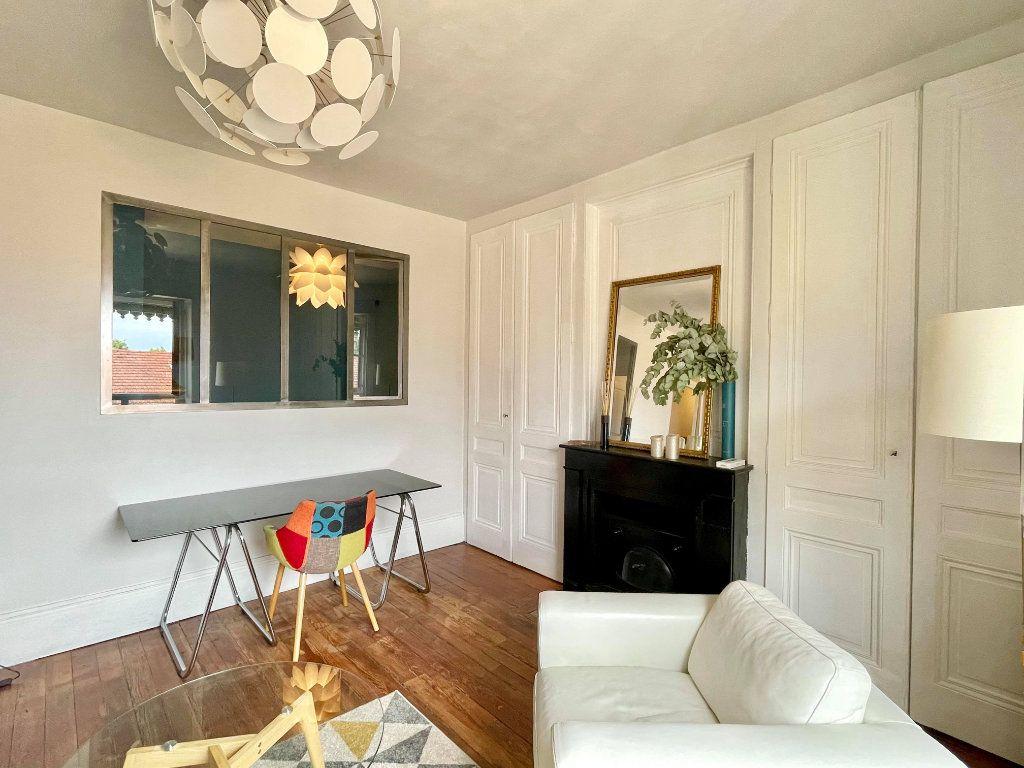 Appartement à louer 2 44m2 à Lyon 5 vignette-2