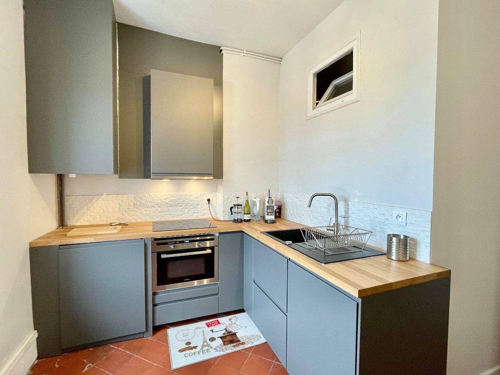 Appartement à louer 2 44m2 à Lyon 5 vignette-4