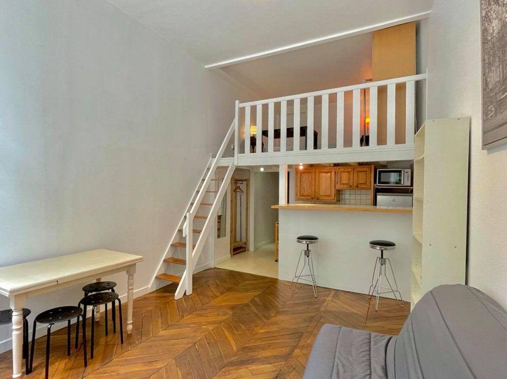 Appartement à louer 1 36m2 à Lyon 2 vignette-1