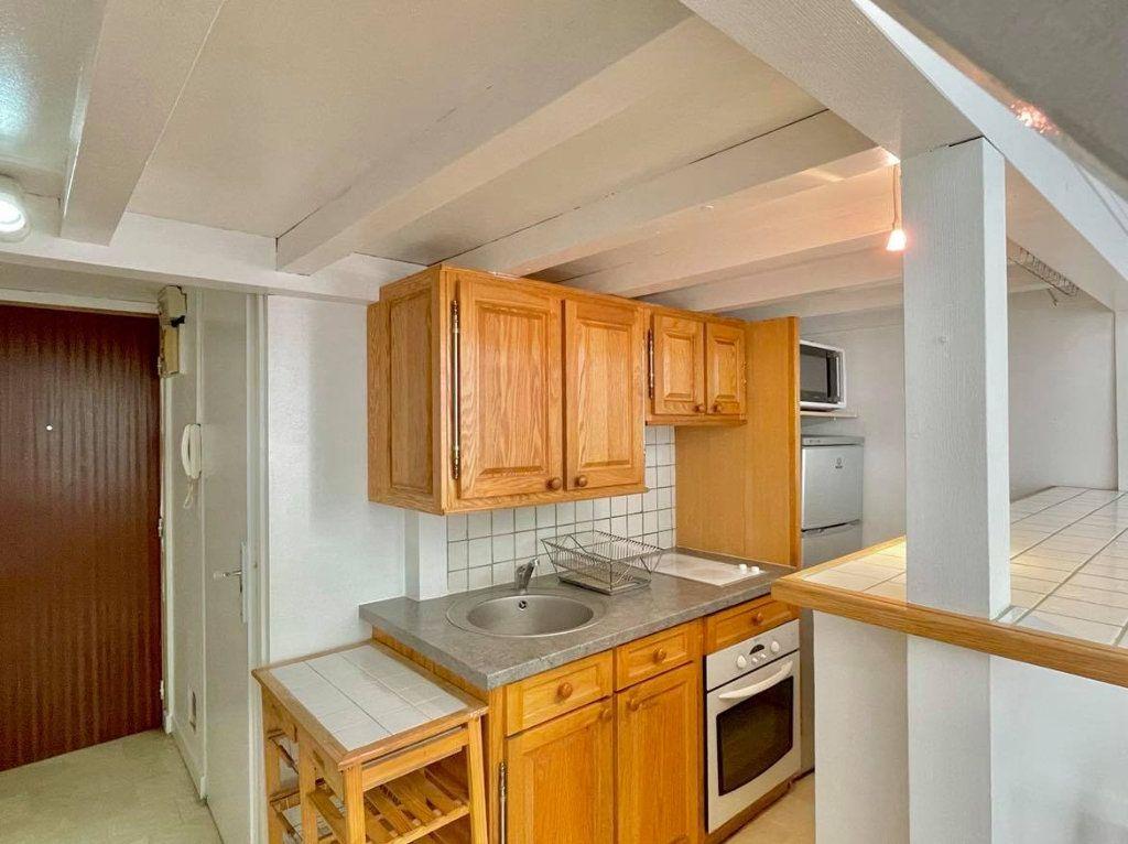 Appartement à louer 1 36m2 à Lyon 2 vignette-3