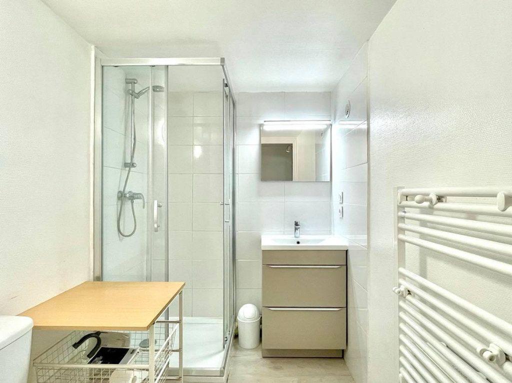 Appartement à louer 1 36m2 à Lyon 2 vignette-5