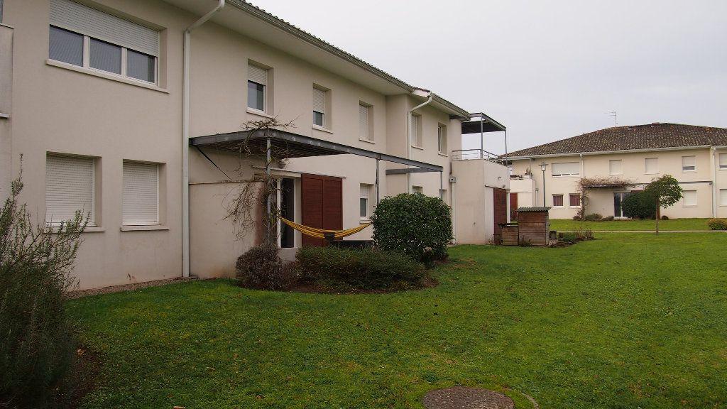 Appartement à vendre 2 46m2 à Saint-Loubès vignette-2
