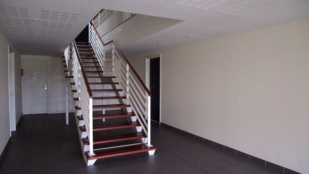 Appartement à vendre 2 46m2 à Saint-Loubès vignette-4