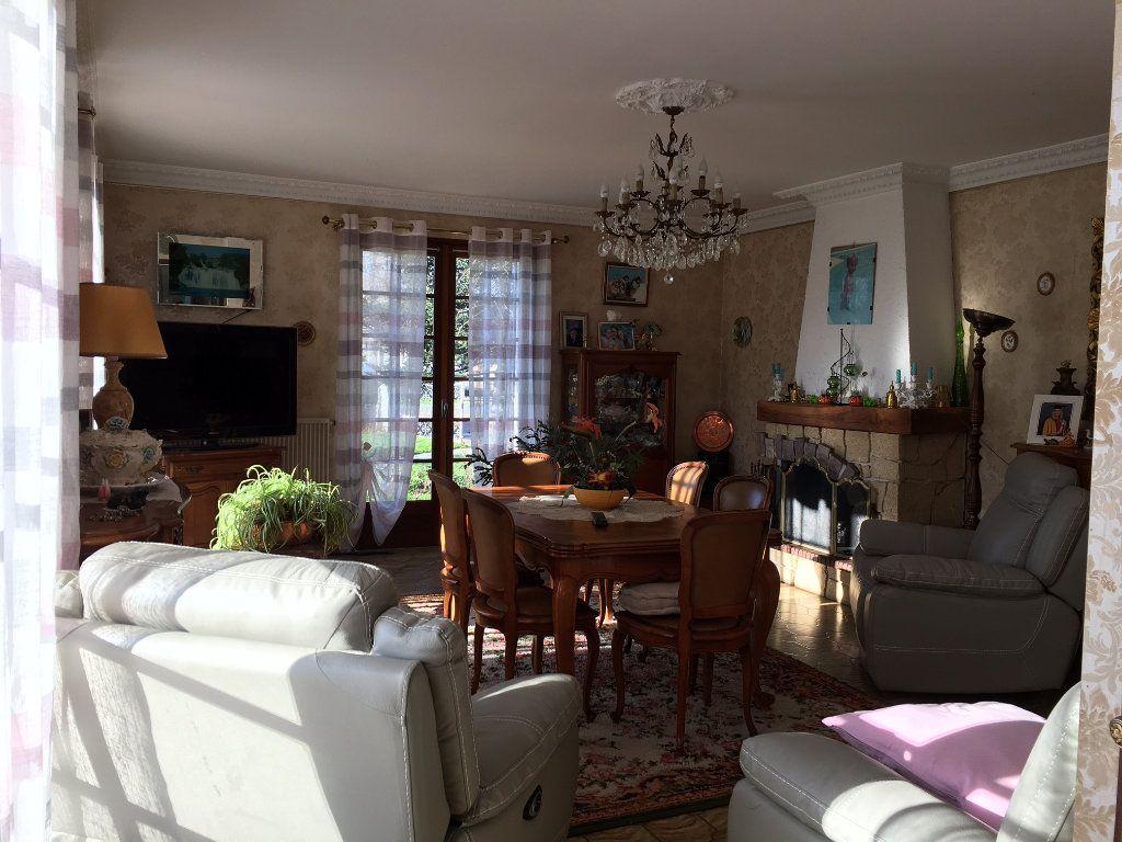 Maison à vendre 5 129m2 à Saint-Loubès vignette-4
