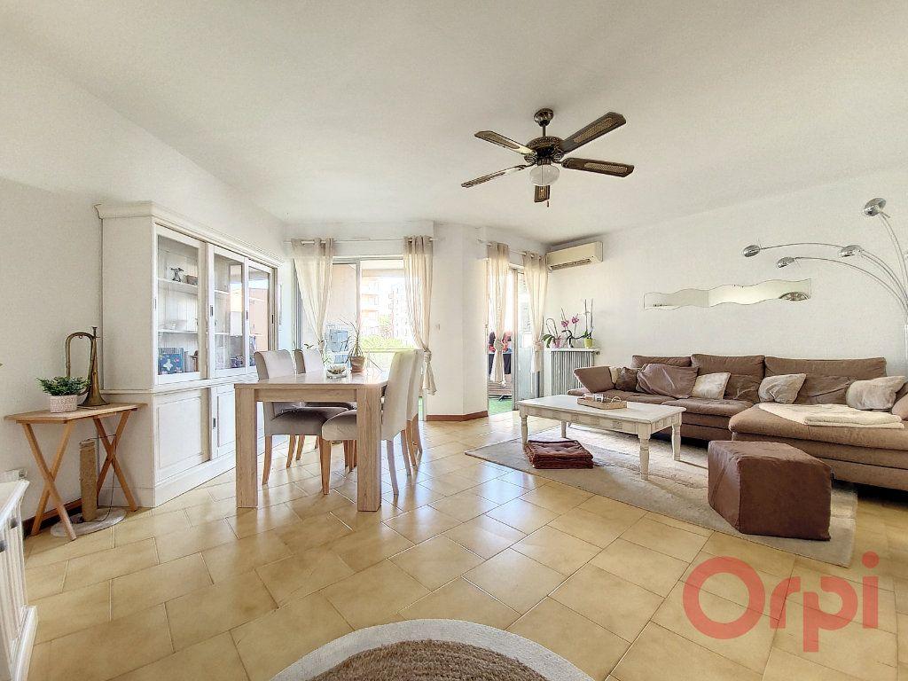 Appartement à vendre 4 90m2 à Ajaccio vignette-1