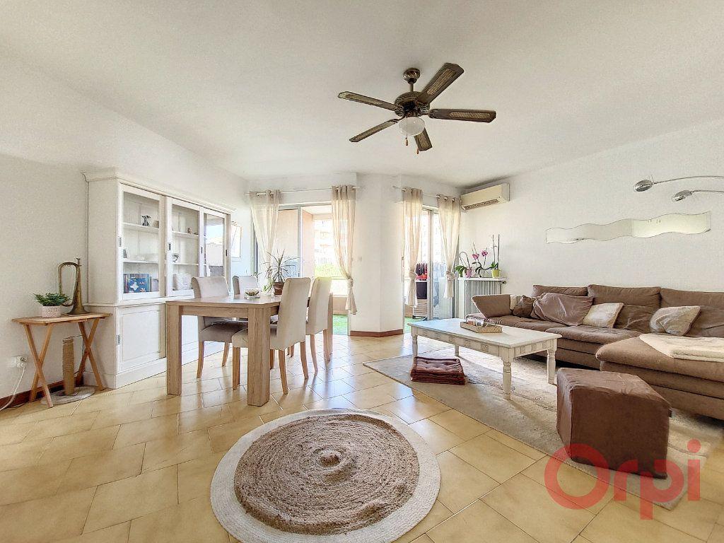 Appartement à vendre 4 90m2 à Ajaccio vignette-2
