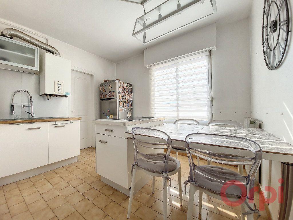 Appartement à vendre 4 90m2 à Ajaccio vignette-4