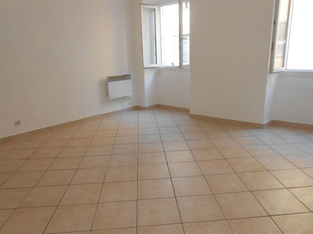 Appartement à louer 2 40m2 à Ajaccio vignette-3